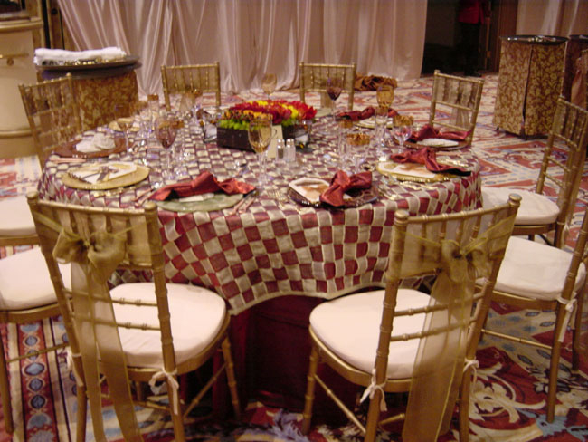 Cranberry Amp Gold Interwoven Table Linen Rental Tablecloth
