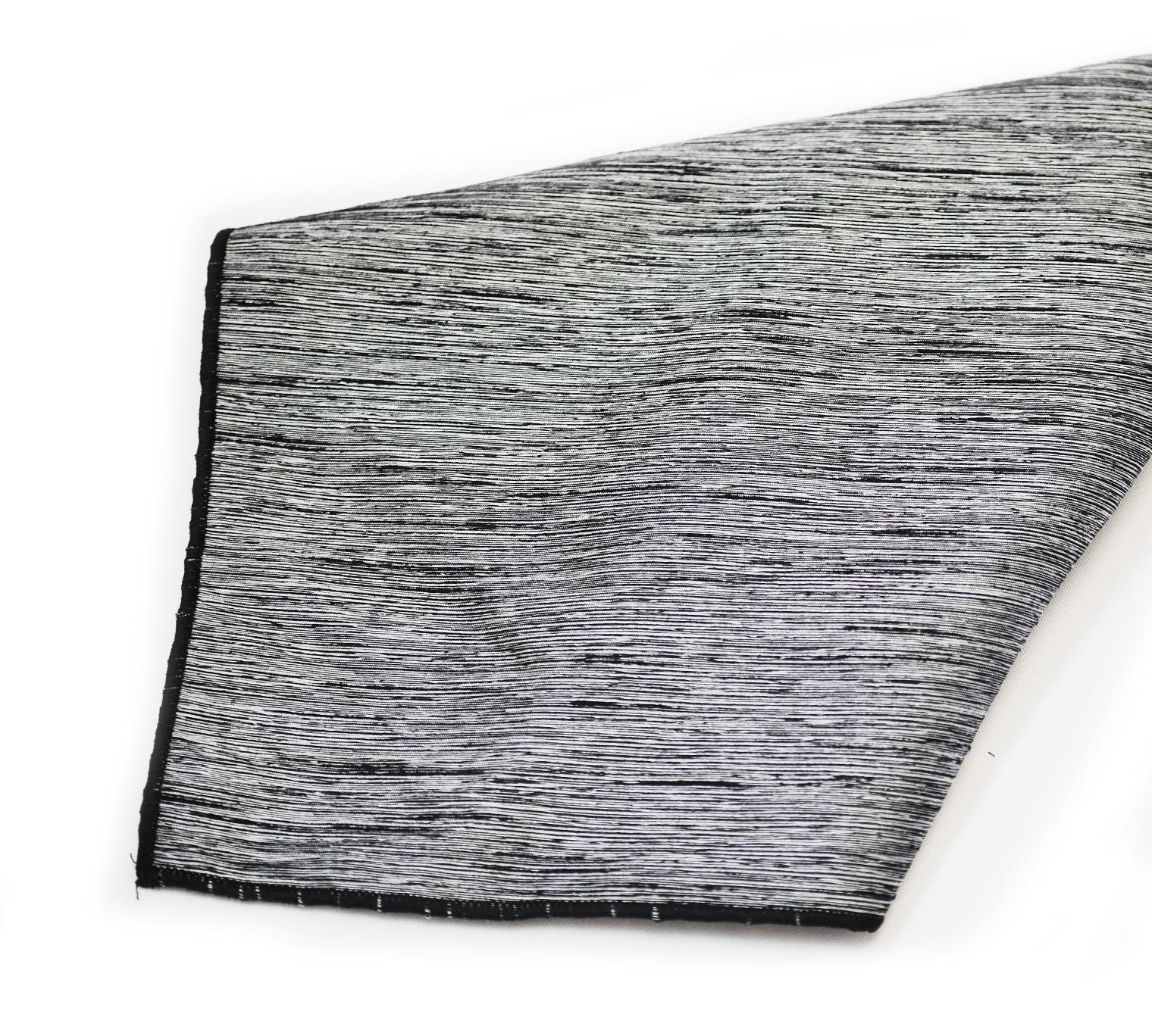 Black:White Poly Bengalore Napkin